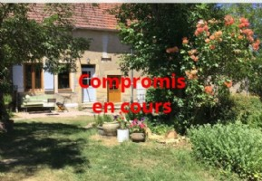 Compromis en cours Farmhouse for sale in Burgundy close to the Morvan