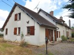 Region Montmorillon, Vienne 86: big house with garden