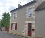 Near Montmorillon, Vienne 86: village house with garden