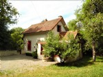 For sale in the Creuse, renovated railway house with garden.