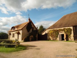 For sale in Allier house, gite, barns and plot of 20 acres