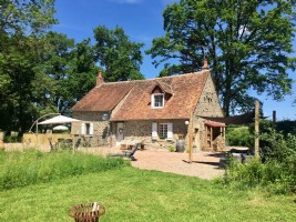 Completely detached, Morvan, Sermages, house with gite
