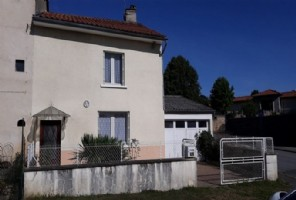 Village house with garden and further detached land of 1400m²