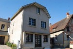 4 bedrooms house, a good location in a small market town with amenities and services.