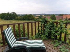 Charming detached 4 bedroom farmhouse with over 1.5 acres of land with barn and stables