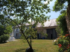 Beautiful house with outbuildings, quiet place with beautiful views