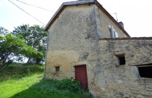 Old stone propertywith stone barn on  07HA 23 A land.