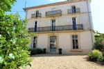 * Maison de Maitre with period features, landscaped gardens and pool