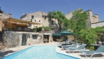 *Wonderful, large, character property close to Uzes, with several possible business opportunities!
