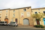 *Light first floor apartment in Roujan with garage.