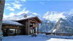 Chalet comprising a commercial space and a beautiful apartment in the heart of Sainte Foy