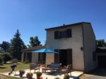 Detached house with swimming pool. A wonderful ready to move into house