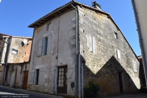 Old House To Renovate In Nanteuil en Vallée