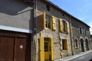 2 Bedroom Stone House With Barn In The Heart Of The Medieval Village Of Nanteuil-En-Vallée