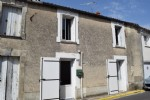 Town House with Two Bedrooms in Mansle