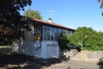 Bungalow with Basement, 2 Bedrooms and Large Garden