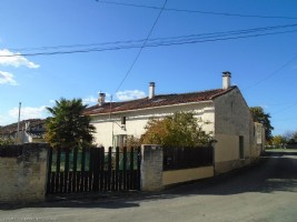 2/3 Bed Stone Longere With A Courtyard and Outbuildings