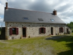 11 roomed house with large outbuilding, Pays de Loire