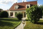 2 houses in 1, only 20 minutes from Paris