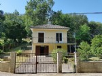 Near Saint Savin, Vienne 86: house with basement and lovely garden
