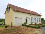Region Montmorillon, Vienne 86: house with garage and view