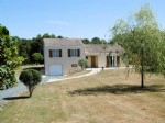 endee – Detached Villa Style Home. Superb Gardens & Paddock