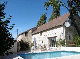 Dordogne – Tastefully Renovated Farmhouse with In-Ground Pool