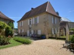 Maison de Maitre with one hectare and private riverside