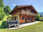 6/7 bedroom chalet  13 minute walk to Samoens centre with great views