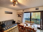 Studio accommdating up to 4 people, situated at the foot of the pistes.
