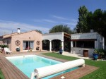 Spacious villa with 5 bedrooms on a 2360 m² plot with pool.