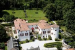 Splendid castle with independent houses and pool on 8 hectares of land with magnificient views.