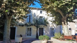 Beautiful bourgeoise house with 5 bedrooms, courtyard, terrace and convertible attic !