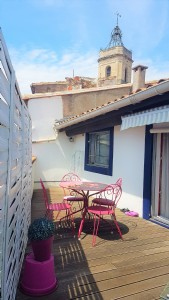 In the heart of the city, charming apartment with 2 bedrooms and lovely terrace !
