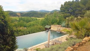 Architect villa on a 1245 m² plot with pool and magnificent views !