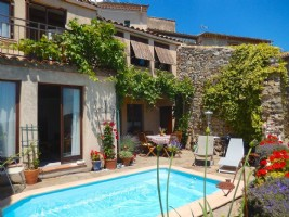 Charming stone village home with 75 m² living space, pool and views in a beautiful area !