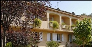 Real estate investment with a current annual rent of 28566.68E HT