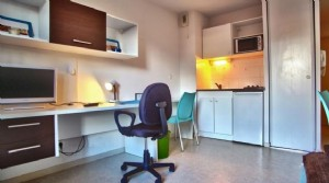 An investment property with a gross annual income of 4952.72 and a 5.50 % return in Rouen