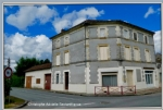 The Fleix, village house, 3 levels of 135 m2, garage, outbuildings and garden. Updated day to day