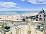 Facing the sea T1 Bis of 26 m2 any team and furniture with balcony has Pornichet