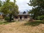 Stone detached house, barn, house to renovate, four à pain, garden 6130 m2.