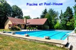Atypical house with swimming pool