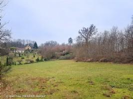 Carlux: building land 4,400 m2