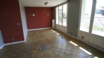 Spacious 2 bedroom apartment close to the centre of Romans
