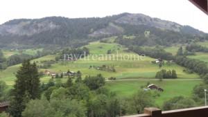 2 bedroom apartment on the ski slopes of Flumet (73590)