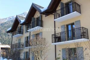 2 bedroom ski property Praz de Chamonix (74400)