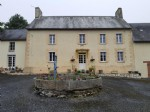 Superb farmhouse with massive barn and swimming pool in over one acre of grounds
