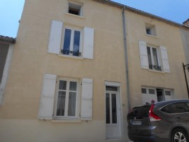 Village House for sale 4 bedrooms 175m2 land ,Walk to shop ,Very good condition