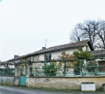 House for sale 3 bedrooms 264m2 land ,Walk to shop ,South facing