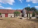 Stunning 12th Century coaching inn and manor house with 2.8 hectares of land